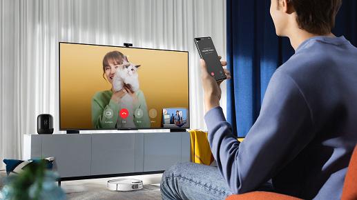 «Это уже не просто средство для просмотра контента. Смарт-экраны теперь — центральный элемент умного дома»: руководители SberDevices и Huawei отвечают на вопросы об умном экране Vision S