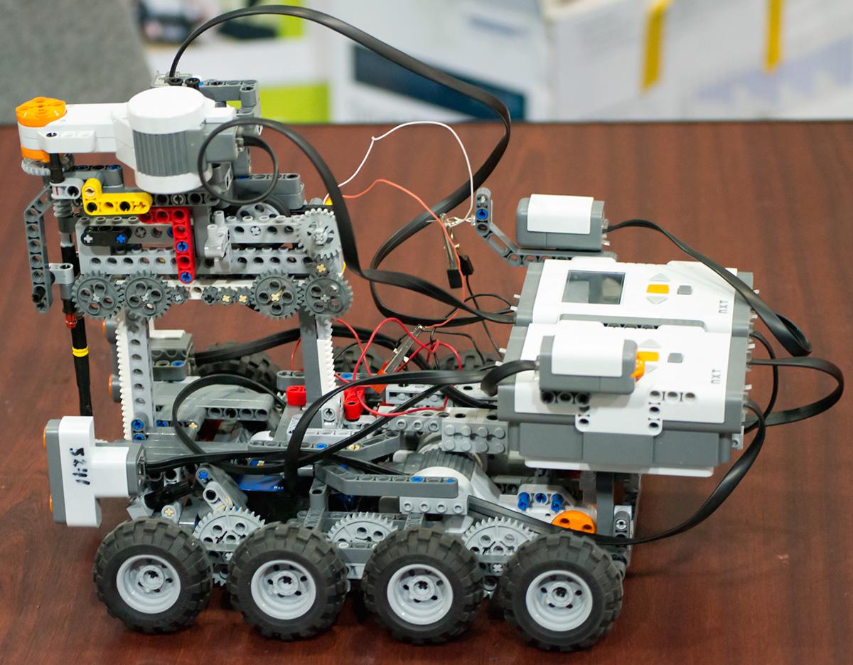 Собираем робота своими руками