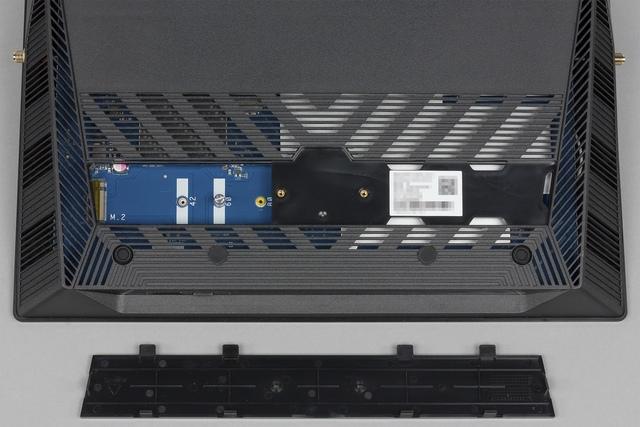 Внешний вид Asus BRT-AC828