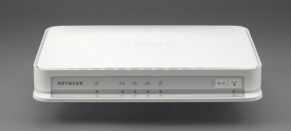Внешний вид беспроводного роутера Netgear WNDRMAC