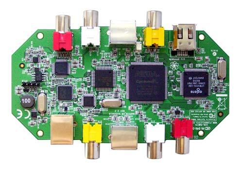 Плата сконструирована на основе интегральной схемы Cyclone TM EP1C3T144C8N производства компании.