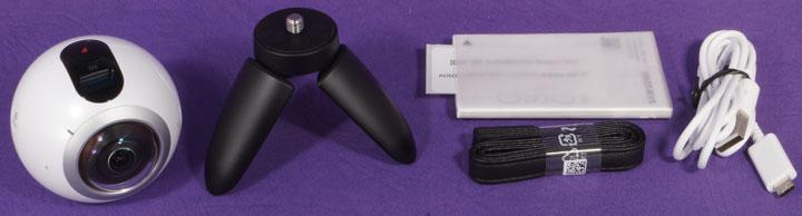 Панорамная камера Samsung Gear 360