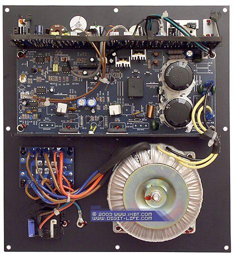 Toshiba 2SA1943.  Toshiba 2SC5200.  Усилитель базируется на связке транзисторов. и.