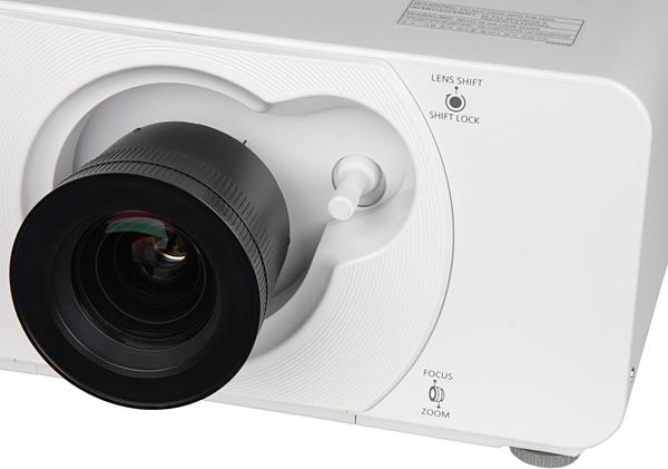 Проектор Panasonic PT-DZ570E, объектив