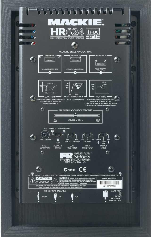 """Их схема -  """"пассивный радиатор """" - позволяет управлять значительным количеством баса без увеличения размера корпуса..."""