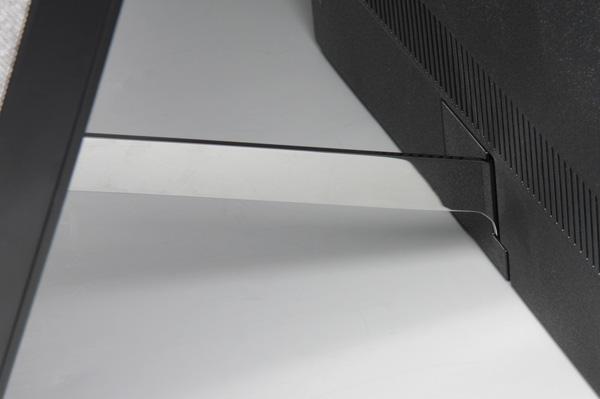 OLED-телевизор Sony Bravia KD-55A1. Вид сбоку