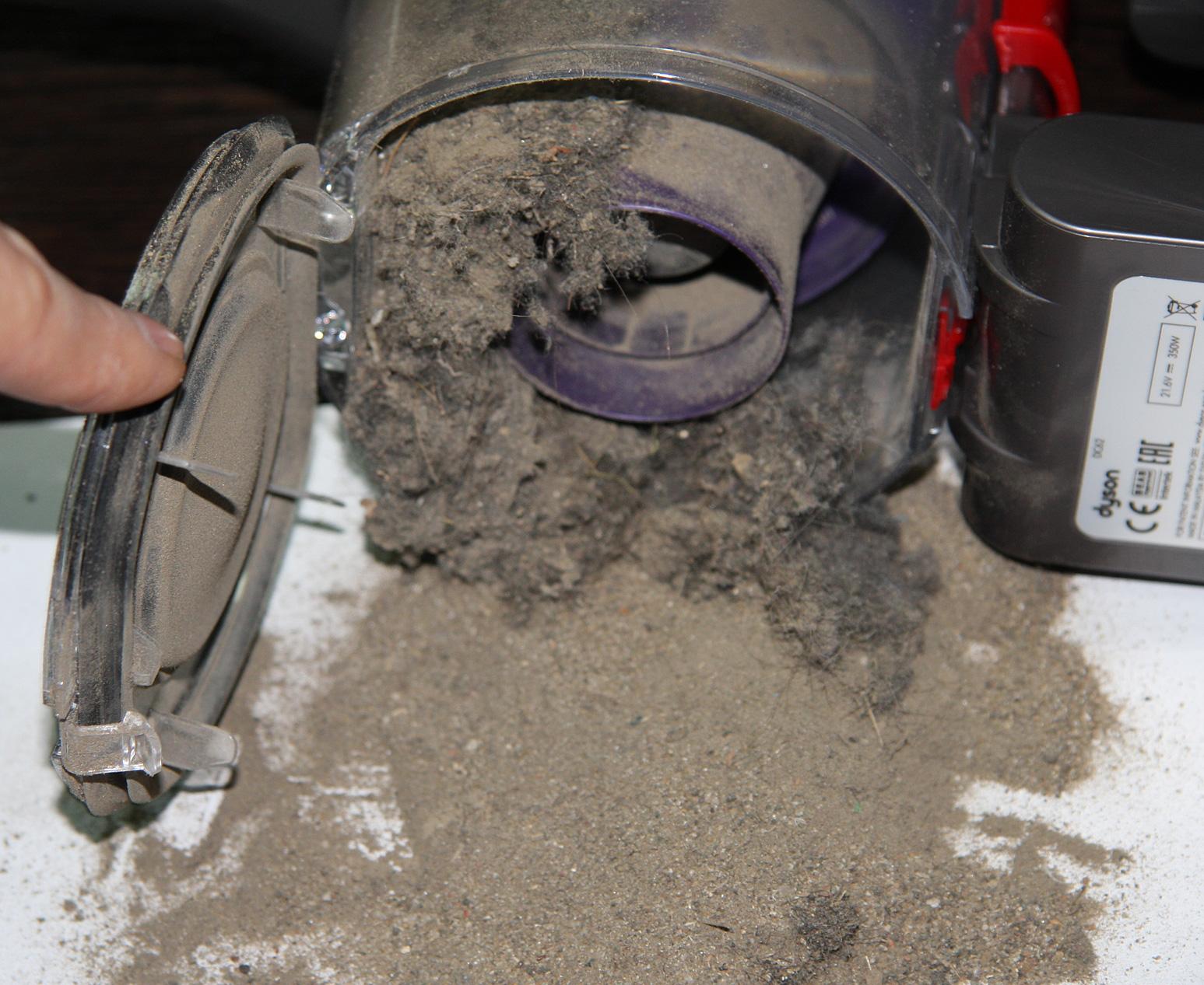 можно ли мыть контейнер пылесоса дайсон