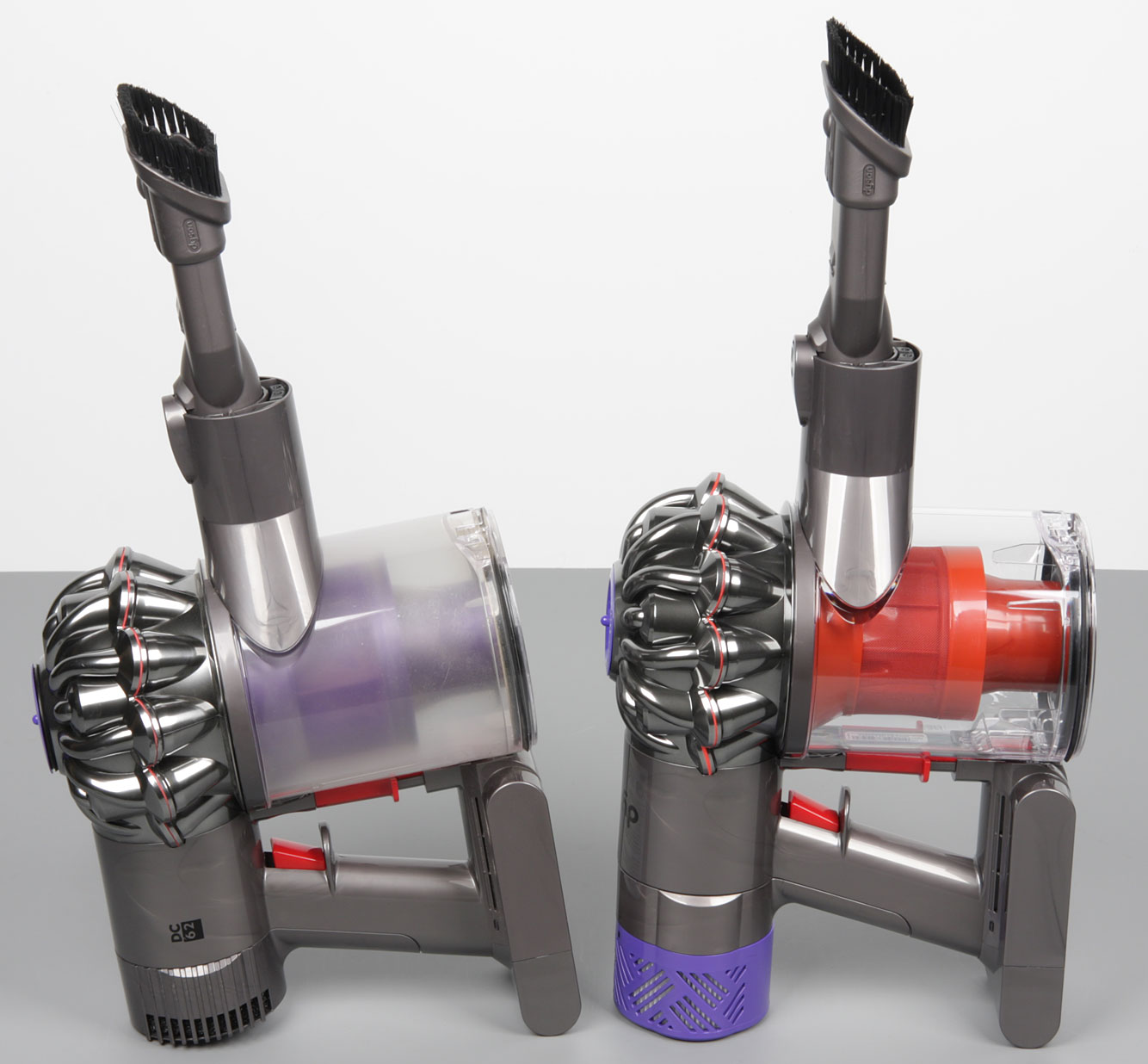 how to clean the filter on a dyson v6