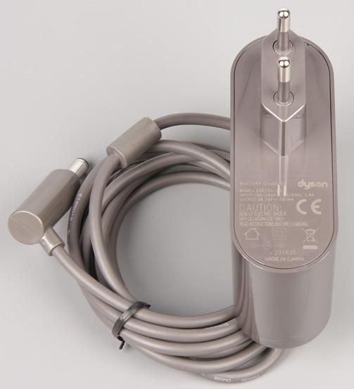 Пылесос Dyson V8 Absolute, адаптер питания