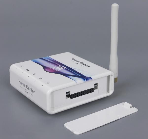 Внешний вид контроллера Fibaro Home Center Lite