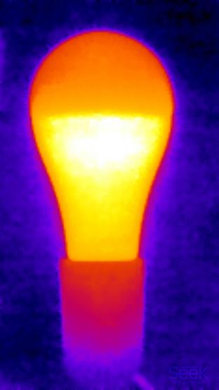 Supra SL-LED-PR-A65-15W/3000/E27, теплоснимок