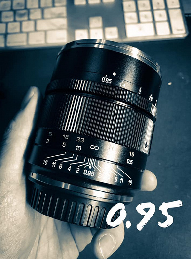 Speedmaster-50mm-f0.95-III-full-frame-le