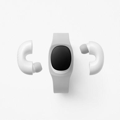 Вместе с необычным слайдфоном Oppo представлены интересные аксессуары