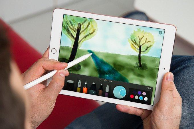 Logitech Crayon — альтернатива Apple Pencil по цене $49