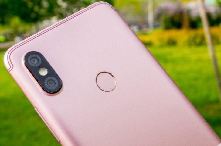 Смартфон Xiaomi Redmi S2 засветился на фотографиях