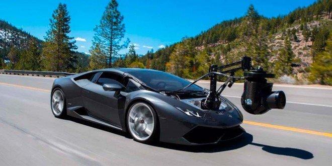 Lamborghini Huracam называют самой быстрой камерой на колесах в мире