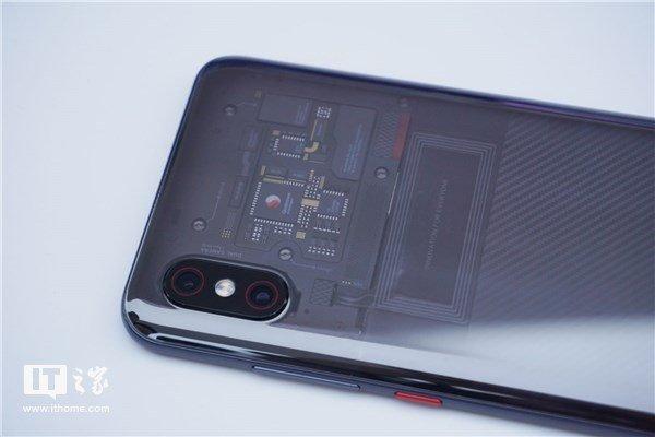Прозрачность смартфона Xiaomi Mi 8 Explorer Edition оказалась фальшивой
