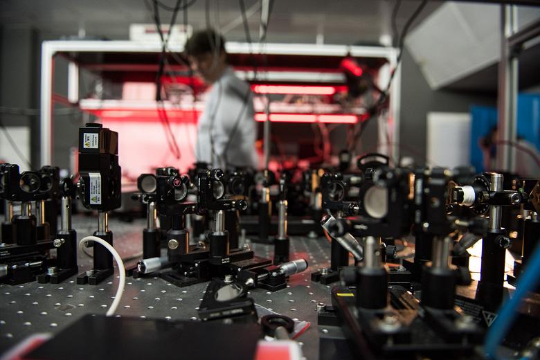 В МГУ созданы нано-преобразователи света