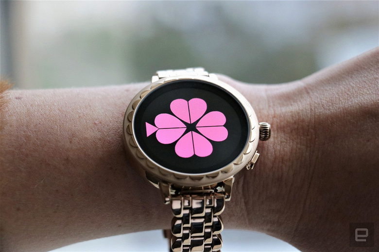 kate-spade-scallop-smartwatch-2-at-ces-2