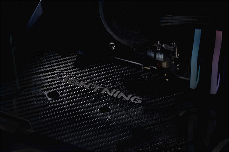 MSI-GeForce-RTX-2080-Ti-Lightning-Z_larg