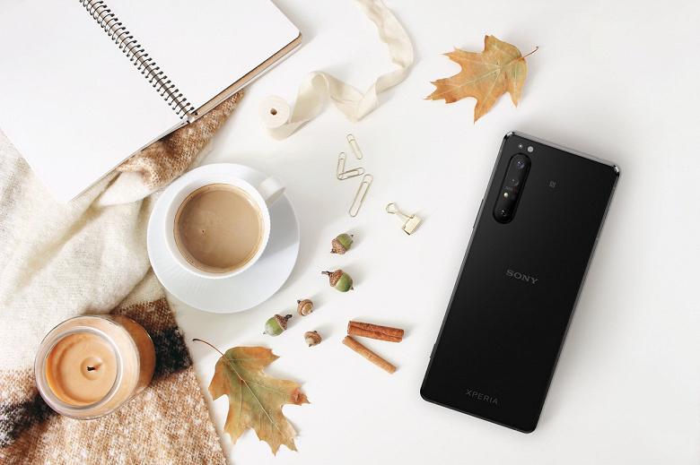 Sony начала обновлять смартфоны до Android 11. Первым стал флагман Sony Xperia 1 II