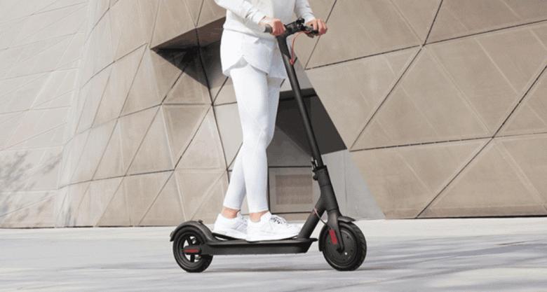 Электросамокат Xiaomi Mi Electric Scooter 1S доступен за половину стоимости iPhone SE у себя на родине