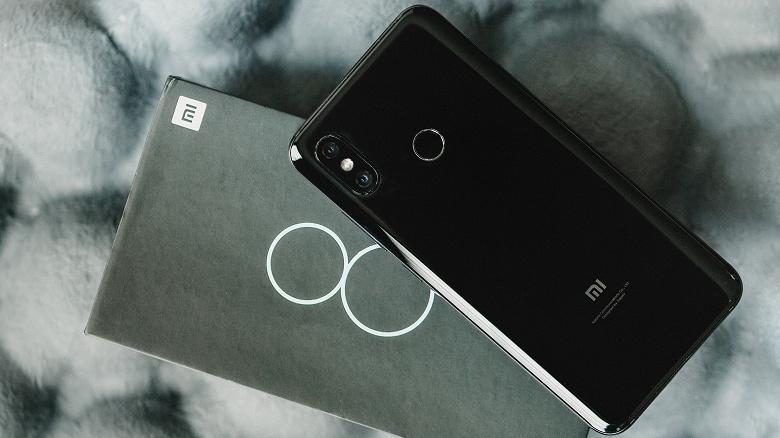 У двухлетних Poco F1 и Xiaomi Mi 8 тоже есть «рентгеновское» зрение