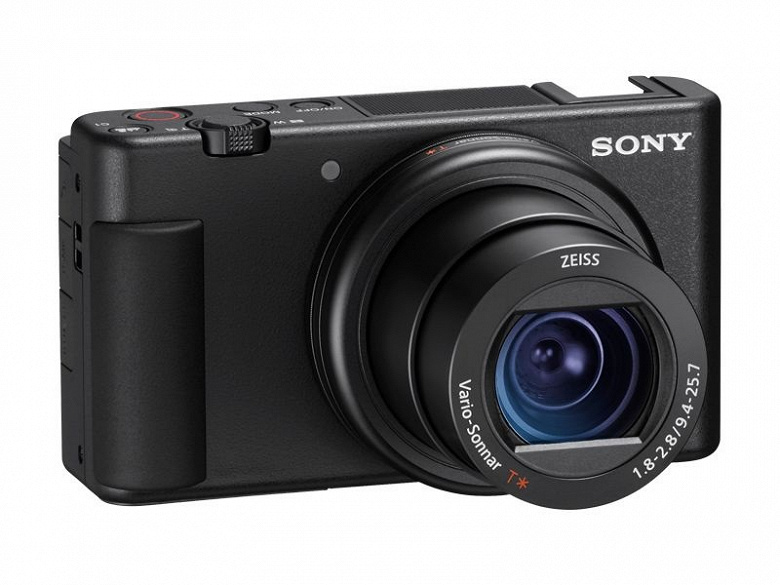 Фотогалерея дня: камера Sony ZV-1 показана с разных сторон
