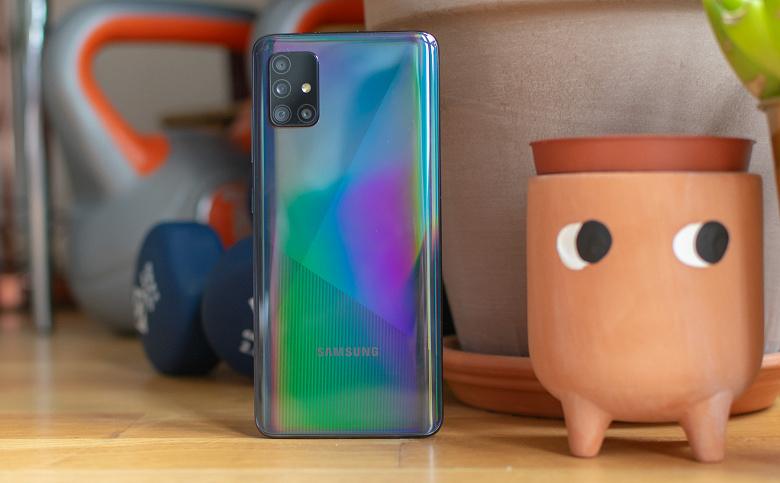 Самый продаваемый смартфон Samsung получил недополученные ранее новейшие функции камеры