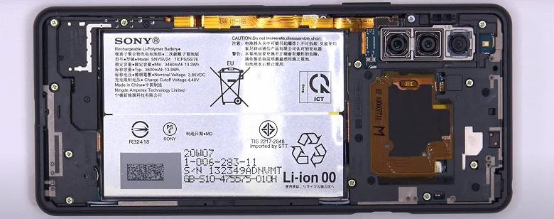 Разборка и сборка нового смартфона Sony Xperia 10 II