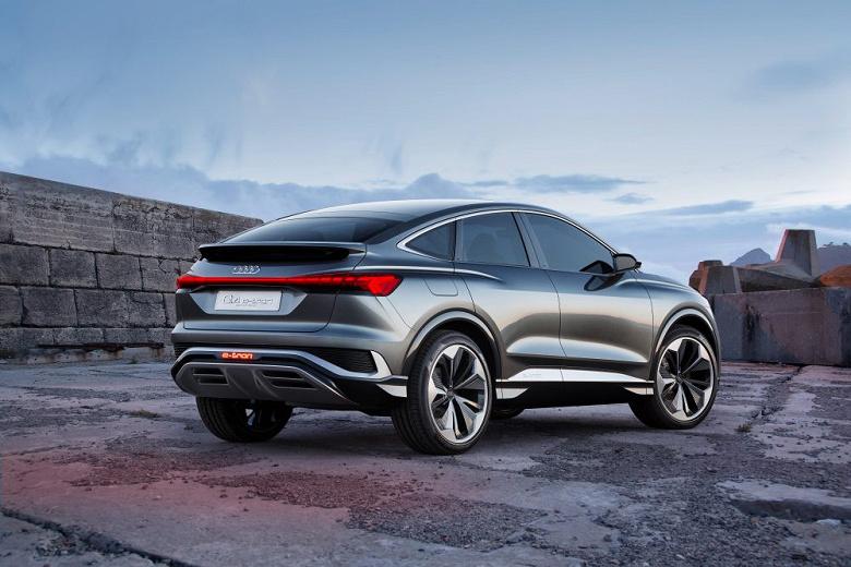 Два электромотора, запас хода до 450 км и агрессивная внешность. Представлен концепт кросс-купе Audi Q4 Sportback e-tron