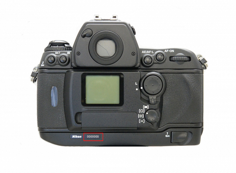 Nikon бесплатно обменяет некоторые камеры F6 вне зависимости от гарантийного срока