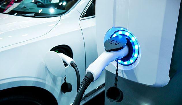 По данным IHS Markit, в 2020 году доля электромобилей на рынке США оказалась рекордно высока