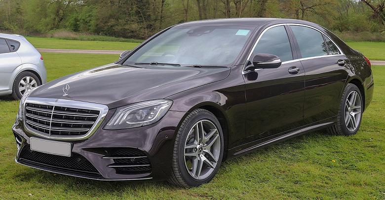 Mercedes-Benz отзывает более миллиона автомобилей из-за неисправности программного обеспечения