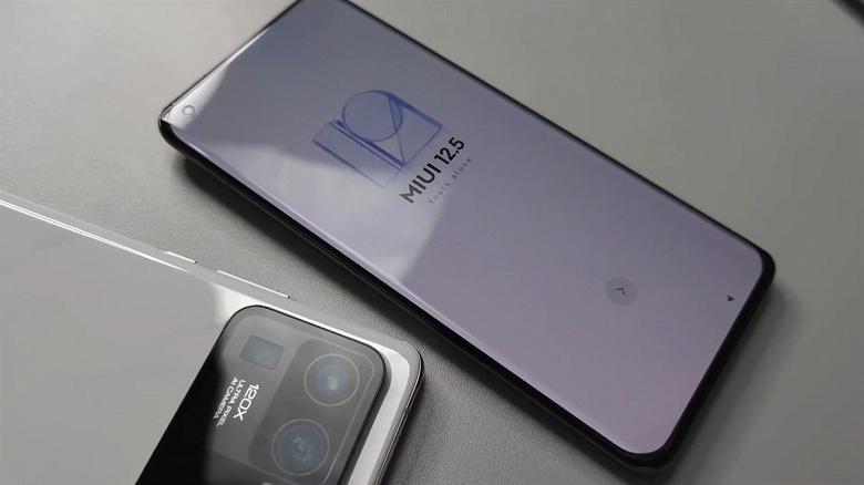 Зачем Xiaomi Mi 11 Ultra нужны второй экран и врезанная камера одновременно
