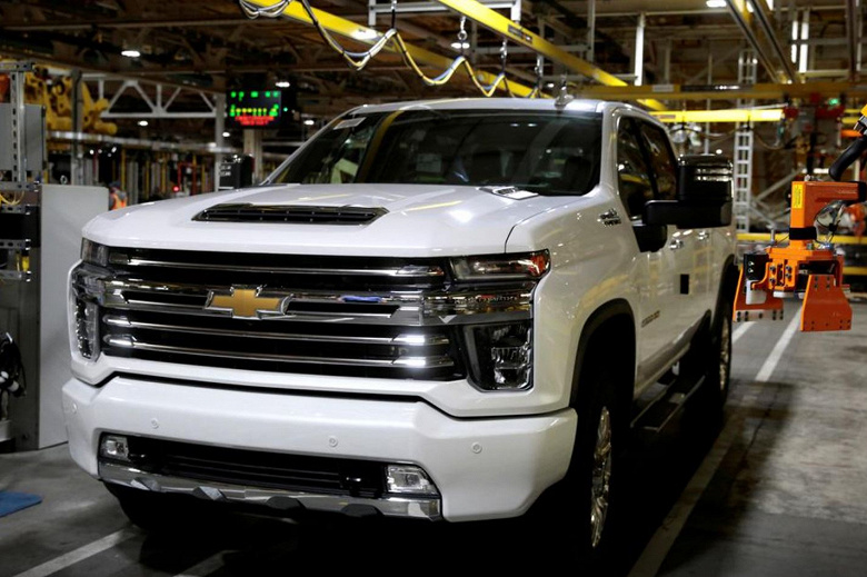 Из-за нехватки микросхем некоторые пикапы GM будут меньше экономить топливо
