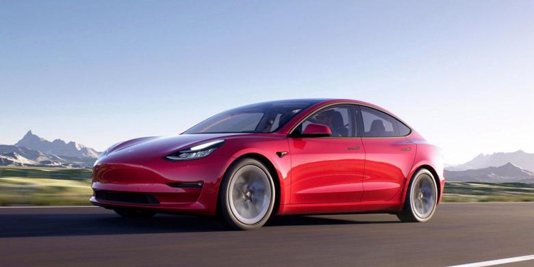 Tesla снова меняет цены на электромобили Model 3