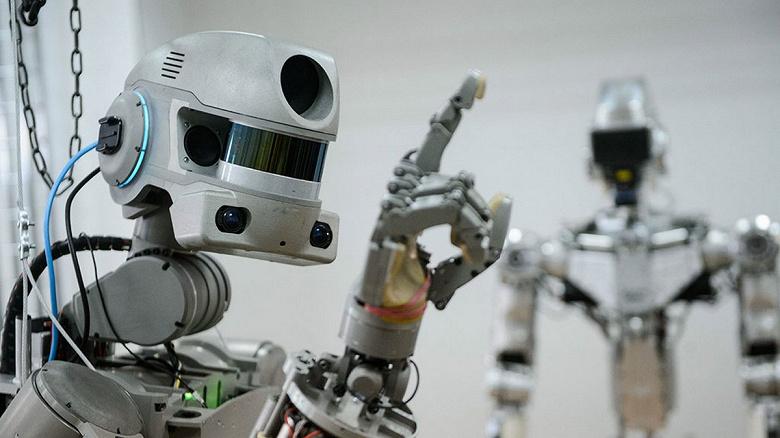 Управлять новым российским роботом на МКС придётся в специальном костюме в режиме аватара