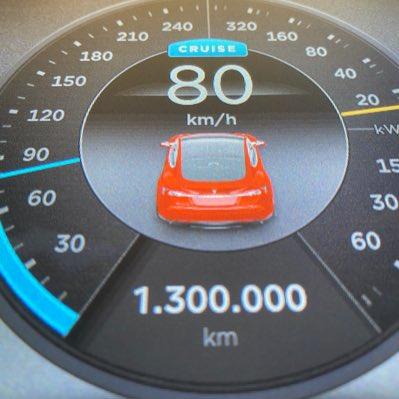 Электромобили Tesla доказывают свою надёжность. В Германии Tesla Model S уже проехал 1,3 миллиона километров и не думает останавливаться