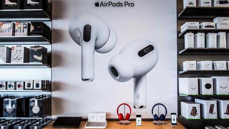 Apple сократит производство наушников AirPods на 25-30% из-за снижения спроса и обострения конкуренции