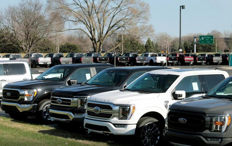 GM и Ford вынуждены еще сильнее сократить производство автомобилей из-за нехватки микросхем