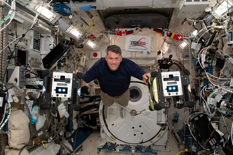 Астронавт сравнил космические корабли Союз, SpaceX Crew Dragon и Space Shuttle. Оказалось, Союз  самый плавный