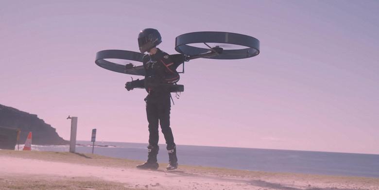 Пилотируемый дрон или рюкзак-вертолёт CopterPack совершил первый полёт