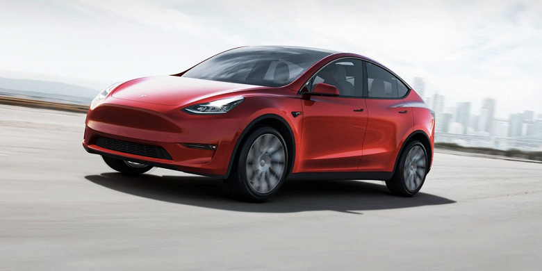 «Этой функцией почти никто не пользовался», — Илон Маск ответил на жалобы новых владельцев Tesla Model Y