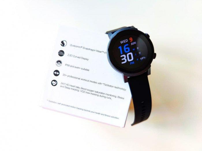 Snapdragon Wear 4100, Wear OS, SpO2, IP68: первая распаковка умных часов Mobvoi TicWatch E3