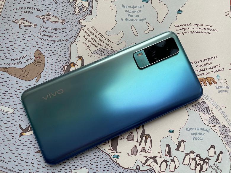 Vivo урезала цены на смартфоны и наушники в России