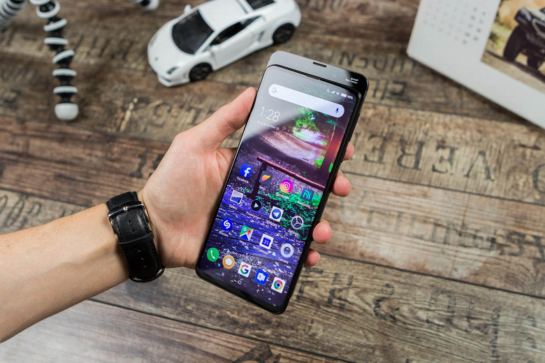 Слайдер Xiaomi Mi Mix 3 и Redmi 10X 4G получили MIUI 12.5