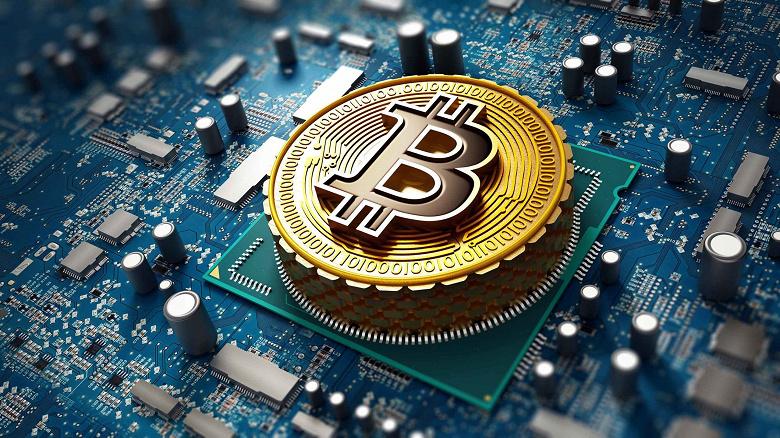 Bitcoin не стоил столько с весны: впервые за три месяца курс поднялся выше 42 тыс. долларов