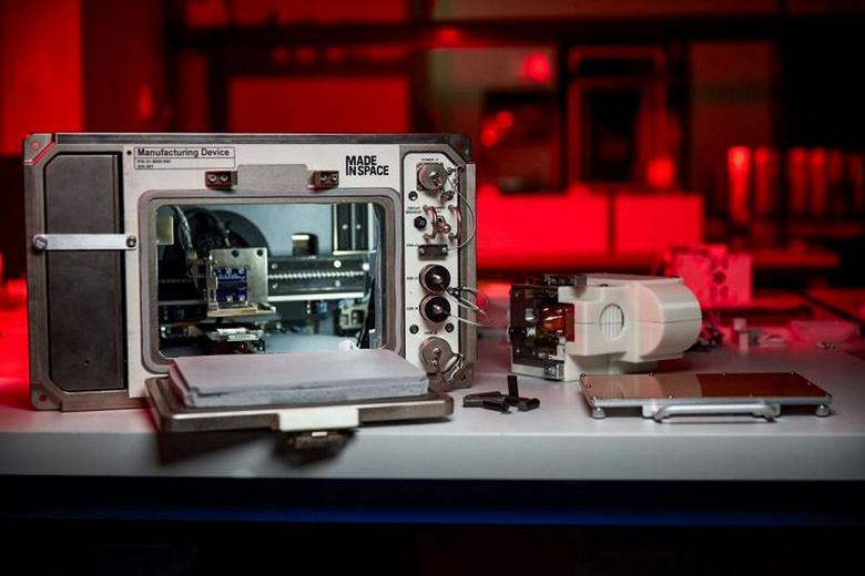 Возможно ли напечатать дома из лунного грунта На МКС привезли 3D-принтер, который будет исследовать этот вопрос