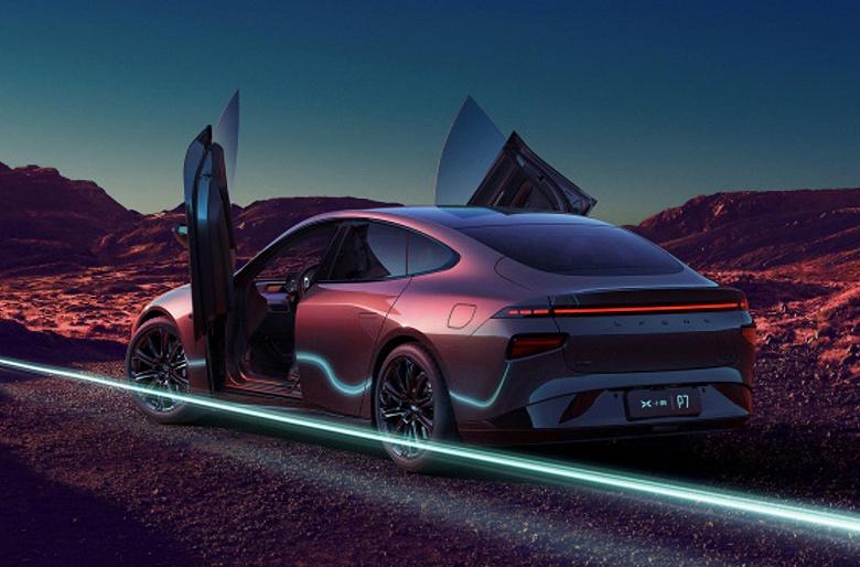 Электромобиль с запасом хода 700 км приехал в Европу: Xpeng начала поставки флагманского седана P7